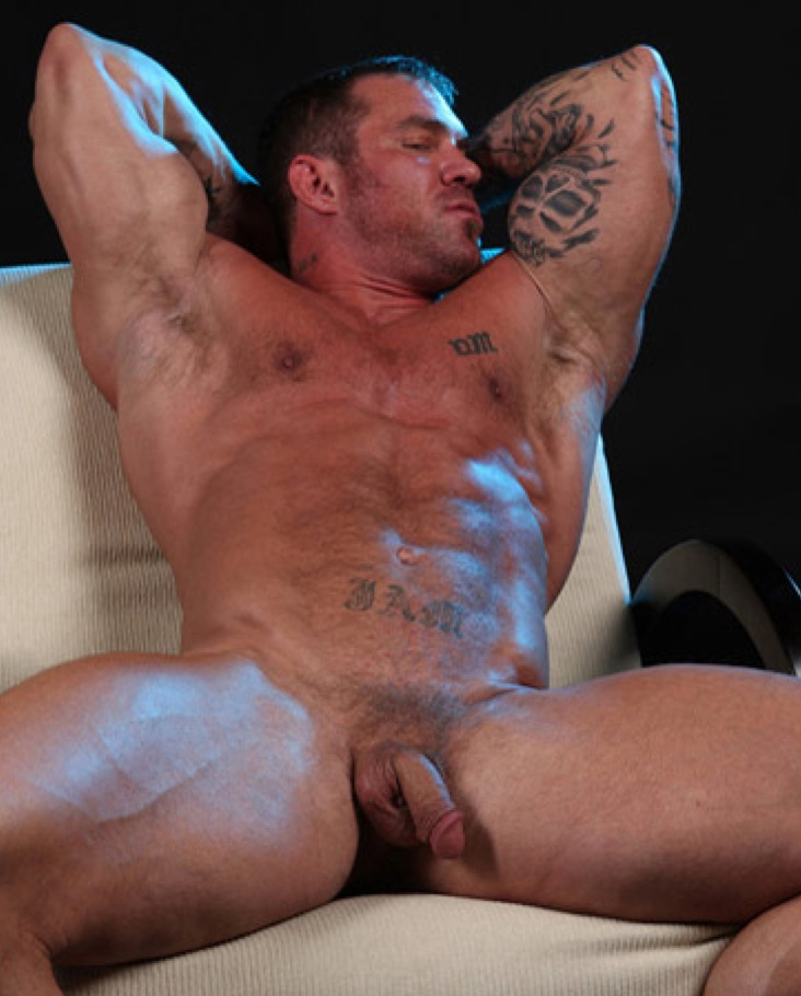 Sexy muscle hairy men